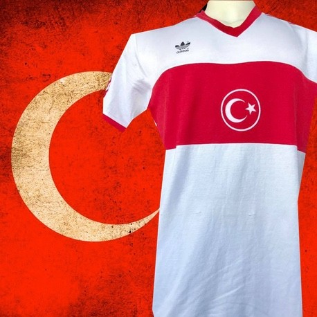 Camisa retrô Turquia  logo branca -1988