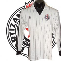 Camisa retrô  Partizan belgrado branca logo ML