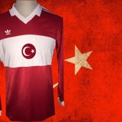 Camisa retrô Turquia  ML vermelha  -1988