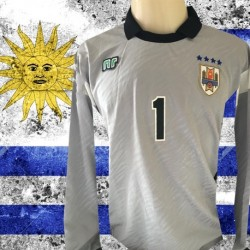 Camisa retrô   goleiro Uruguai  ML .