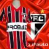Camisa retrô São Paulo FC listrada TAM .