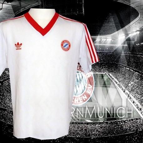 Camisa Retrô F.C. Bayern branca e vermelha ML - ALE